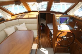 Nauticat351 Cabin