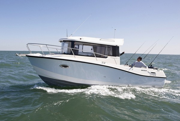 Quicksilver755Pilothouse-01