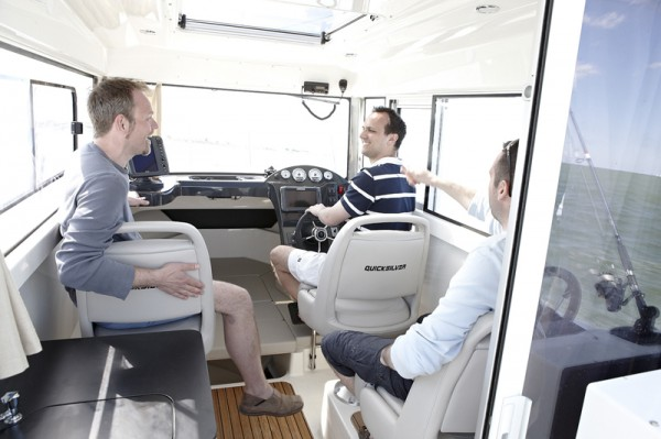 Quicksilver755Pilothouse-02