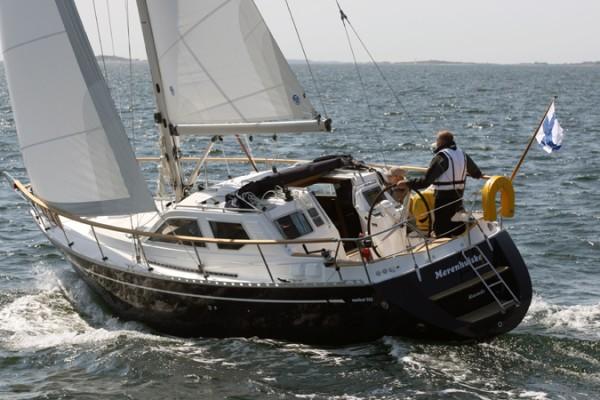 Nauticat 321 Sailing