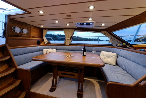 Nauticat525-02
