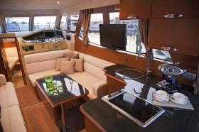 Greenline33 interior