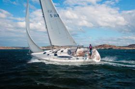 Delphia403-Sailing